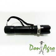 Linterna LED con zoom recargable